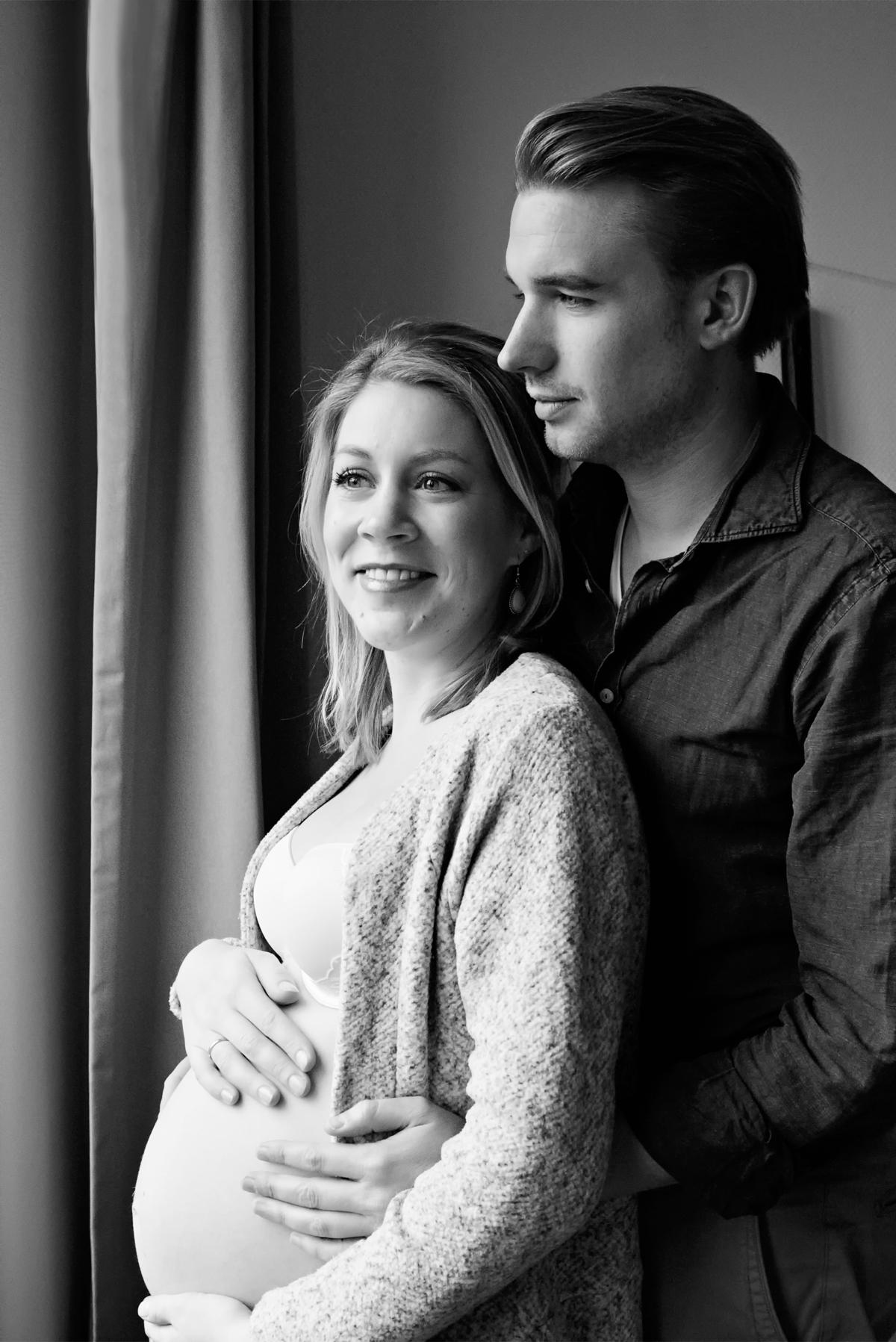 Zwangerschapsfotoshoot bij je eigen thuis